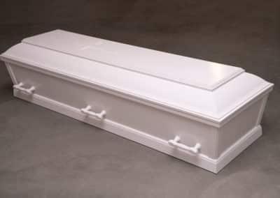 Hvid kiste m/licener - kr. 7795,-